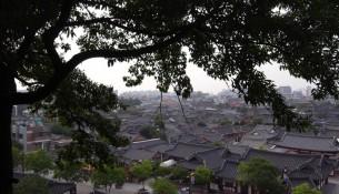 全州韓屋村を眺める